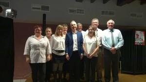 Les serveuses et une partie des membres du CCAS