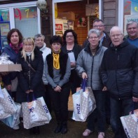 Distribution des colis de Noël par le C-C-A-S d'Ourville-en-caux